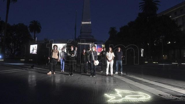 """""""Siempre están, muestra de Télam en homenaje a la lucha de Madres y Abuelas de Plaza de Mayo."""