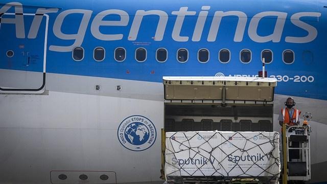 Aerolíneas Argentinas ya trajo al país más de 4.800.000 dosis de vacunas.