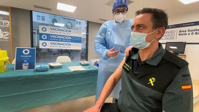 La cifra total de contagios en España se eleva ya a 3.300.965 desde el inicio de la pandemia mientras que los decesos totales suman 75.698.
