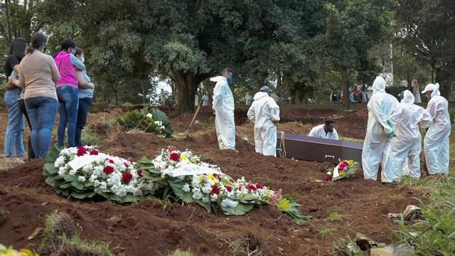 Brasil tuvo este jueves un nuevo récord de fallecidos