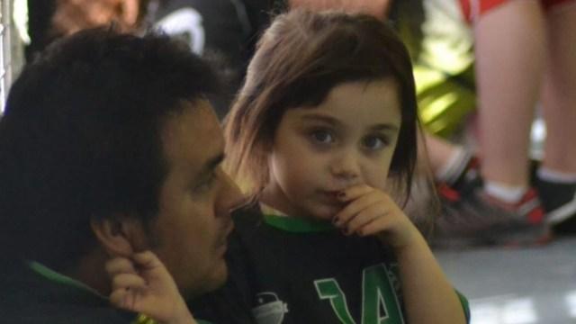 Emilia, la niña que pidió una carta tras un partido de handball para que el Ratón Pérez se entere qué pasó con su diente (foto: Pasta de Campeón)