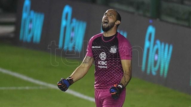 """Marcos Díaz, la gran figura en los penales para la """"T"""""""