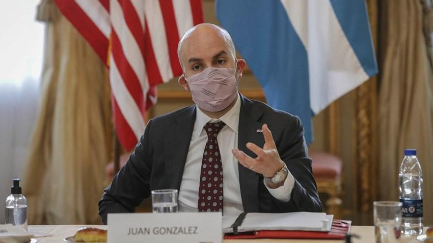 """El asesor de Biden Juan González, afirmó hoy que """"el Fondo Monetario de 2002 no puede ser el Fondo Monetario de hoy"""""""