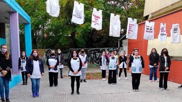 """UTE se manifestó """"contra el negacionismo sanitario de Larreta y Acuña"""", sostuvieron."""