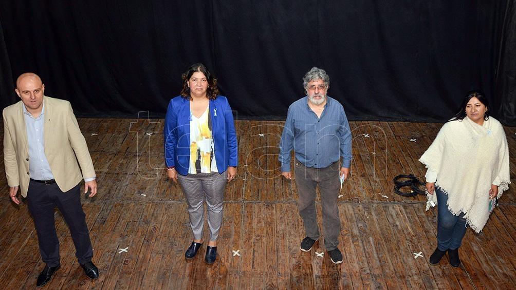 El Frente Unidad para la Victoria lleva como candidatos al dirigente peronista Diego Martín Palmieri, a Alejandra Cejas (que busca su reelección) y al secretario general de la CTA-Autonómica Jujuy Fernando Acosta.