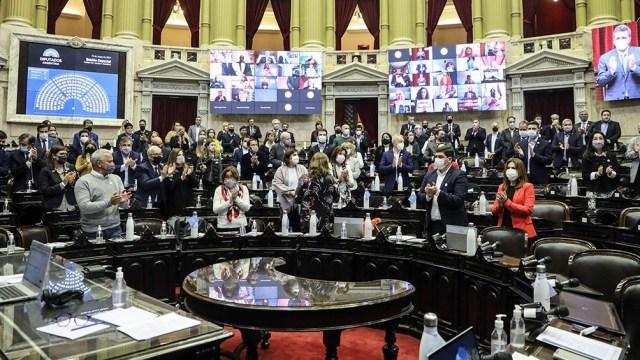 """La intención del oficialismo es convertir en ley el proyecto """"Emergencia Covid"""" sancionado por el Senado"""