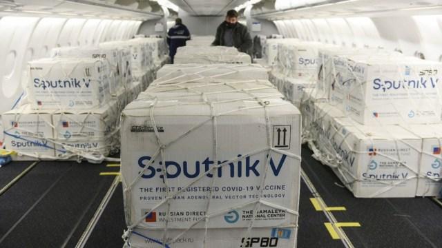 La llegada de la primera partida de 300.150 dosis de Sputnik V desde Rusia, marcó el inicio de un nuevo capítulo en la gestión sanitaria