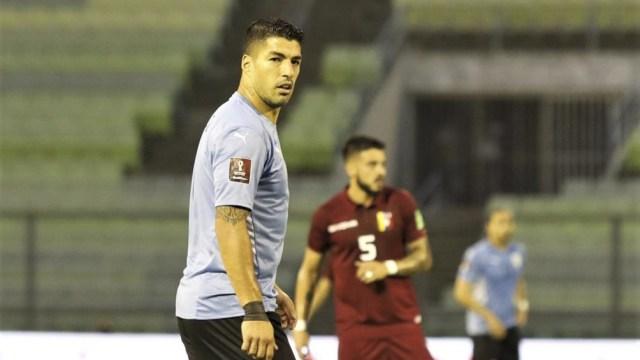 """Suárez, emblema de la """"Celeste"""" en ataque junto a Edinson Cavani (Foto: @Conmebol)"""