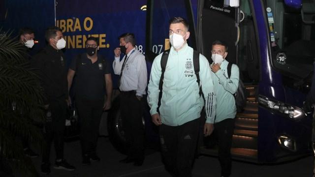 Argentina ya se encuentra en Brasilia para enfrentar a Uruguay (foto: @Argentina - Archivo)