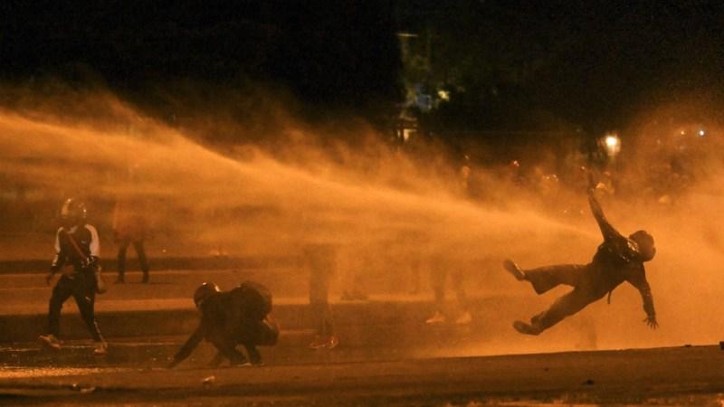 Las protestas condujeron a choques con la fuerza pública en diversas ciudades pero no se registraron heridos, de acuerdo con los reportes oficiales.