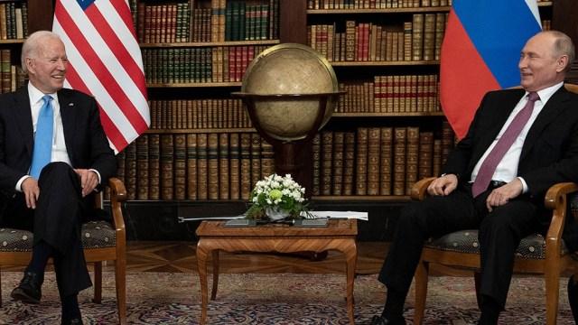 """Biden dijo que """"siempre es mejor verse cara a cara"""", y Putin respondió que confiaba en que la reunión fuera """"productiva""""."""