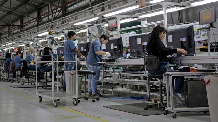 """Compre Argentino """"podría desarrollar 200.000 nuevos puestos de trabajo en el término de diez años""""."""