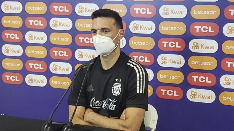 Lionel Scaloni no descartó a Sergio Agüero.