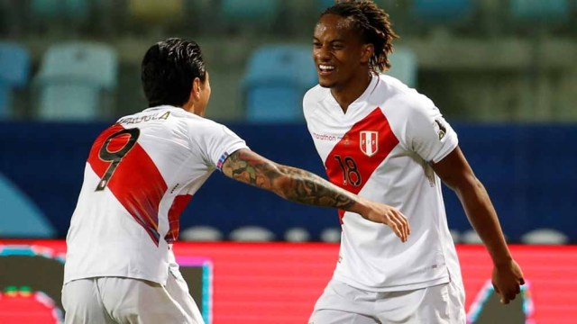 Lapadula y Carrillo, los goleadores de Perú ante Ecuador (Foto: @CopaAmerica)