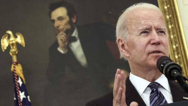 """""""Vimos un aumento en la violencia armada en todo el país desde el comienzo de la pandemia"""", dijo Biden durante el anuncio"""
