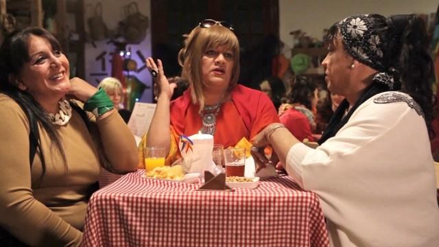 La película ofrece los testimonios de vida de Karla Ojeda y Maira Ramírez