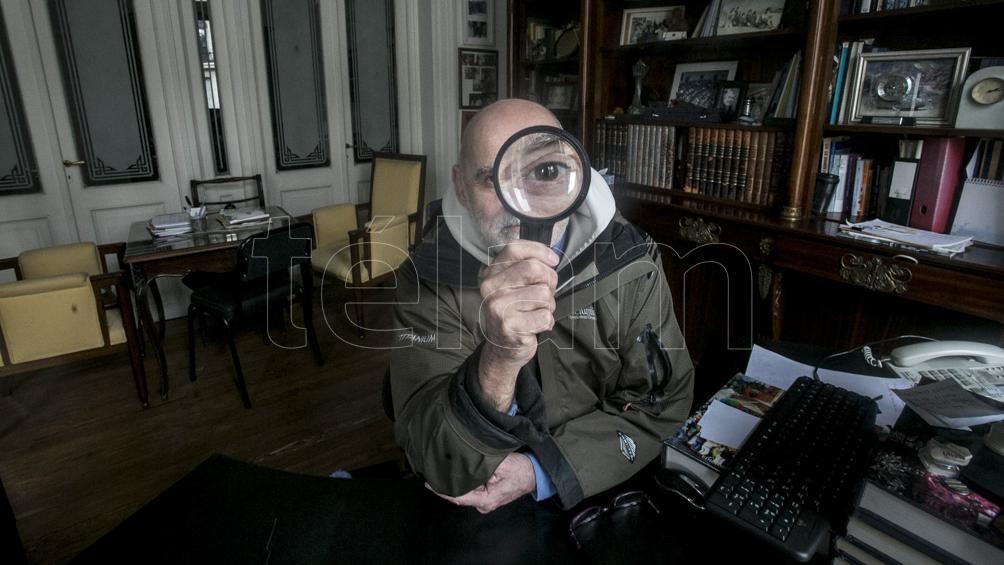 Doudchizky en su estudio de Congreso, ahora prepara un documental sobre transplantes