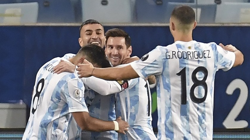 Argentina goleó, ganó su grupo y jugará ante Ecuador