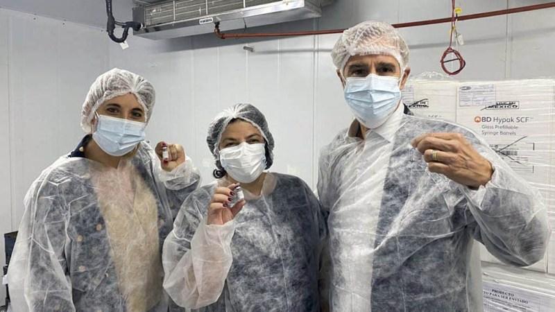 Para realizar este proceso, el laboratorio recibe el principio activo de la vacuna elaborado en el Gamaleya.