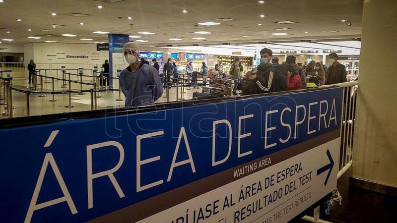 El Gobierno nacional oficializó la prórroga del cierre de las fronteras hasta el 1 de octubre y amplió el cupo semanal a 11.900 plazas para el ingreso. (Foto: Alejandro Amdan)