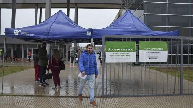"""Kicillof aseguró que Buenos Aires """"en agosto va estar protegida, ya que habremos inmunizado al 95% de los inscriptos"""". Foto: Hernán Saravia."""