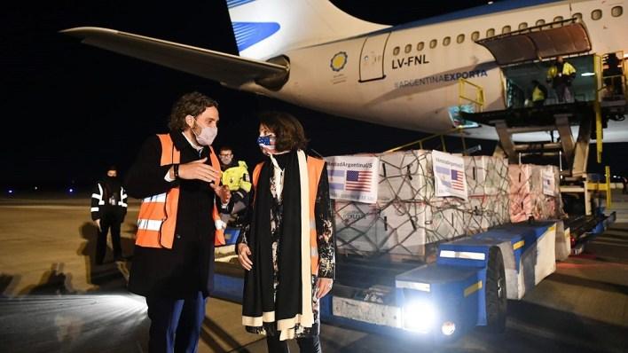 Las dosis llegaron desde Estados Unidos en dos aeronaves Airbus 330-200 que despegaron desde la ciudad de Memphis.