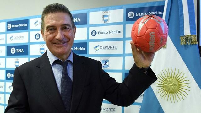 El español Manuel Cadenas es el entrenador albiceleste.