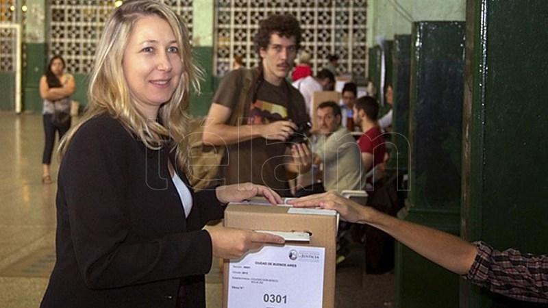 En CABA, el FIT obtuvo el 6,23% de los votos mientras que en la provincia de Buenos Aires sumó el 5,22% de las voluntades.