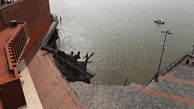 No hubo heridos por el derrumbe, en una zona habitualmente transitada. Foto: Sebastián Granata