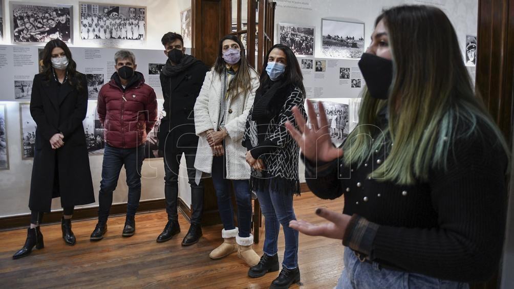El equipo de Showmatch que visitó el Museo Ana Frank (Foto: Eliana Obregón)