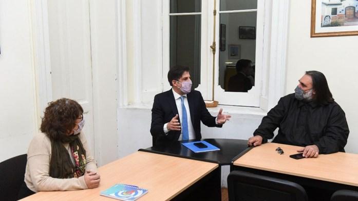 El Ministro dialogó sobre esta convocatoria a paritaria con los distintos sindicatos docentes.