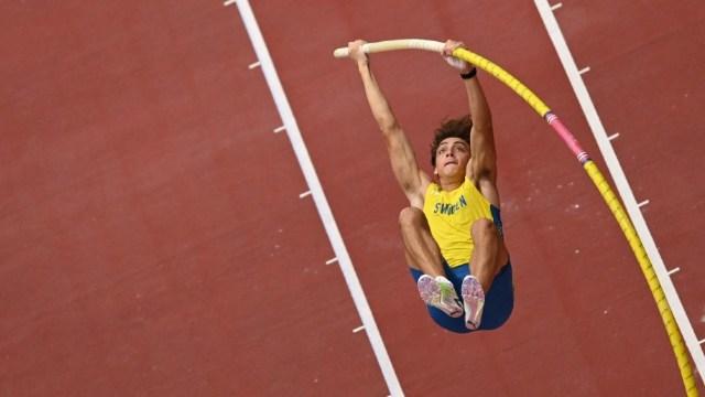 Armand Duplantis, la gran estrella del salto con pértiiga, finalista en tokio 2020 (Foto: AFP)