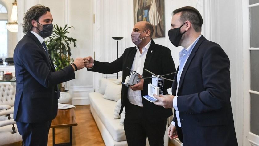 El jefe de Gabinete recibió a los responsables del desarrollo del primer picosatélite argentino
