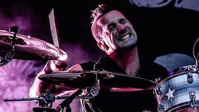Pete Parada quedó afuera de la gira de la banda por no estar vacunado contra el coronavirus. Foto: TW.