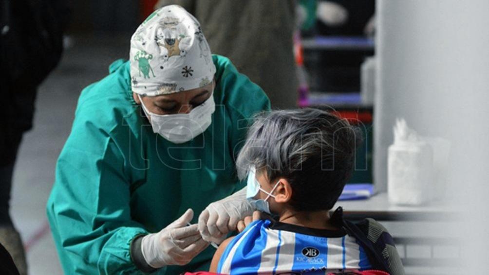 La campaña de vacunación continúa con un intenso ritmo, completando los esquemas de inoculación.