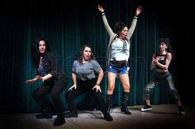 Carulias, Guinzburg, Ballarini y Metilli: vivo y streaming, con su humor (Foto: Julián Alvarez)