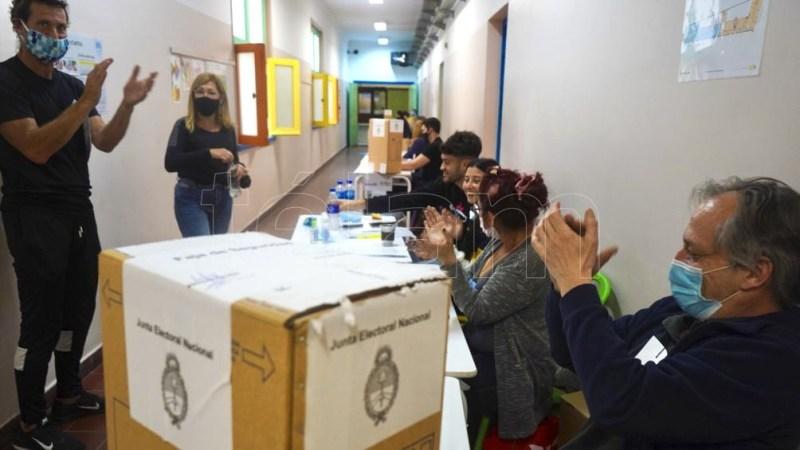 Las primarias abiertas, simultáneas y obligatorias (PASO) alcanzaron una participación cercana al 67 por ciento. (Foto Pepe Mateos)