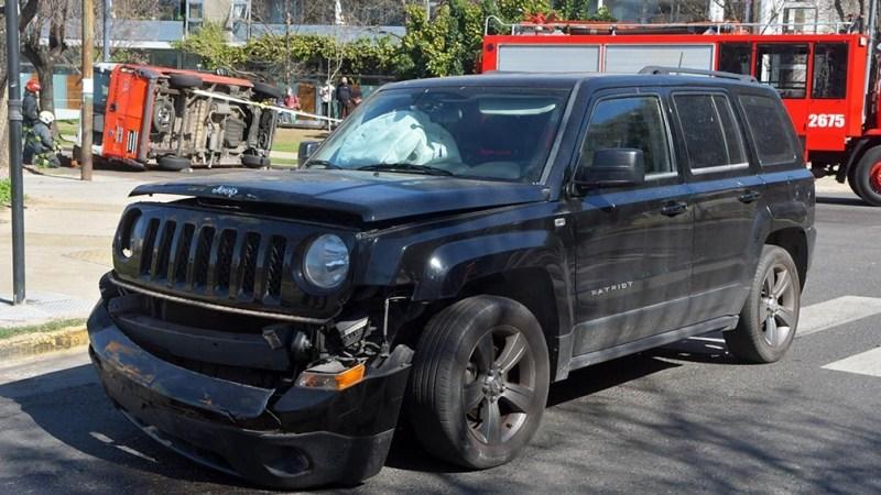 Una camioneta Jeep chocó contra una combi escolar Fiat Ducatto. Foto: Victoria Egurza