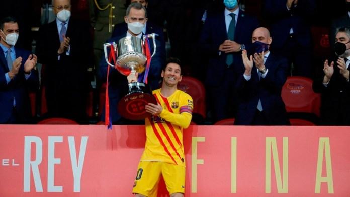 La última copa de Messi junto al Barcelona. Foto: AFP-archivo