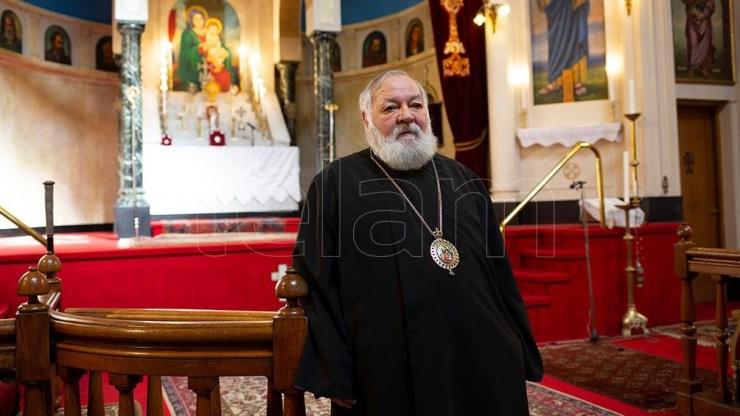 El Arzobispo Monseñor Kissag Mouradian (69) de la Iglesia Apostólica Armenia en Argentina y Chile, en la Catedral de San Gregorio El Iluminador. (Foto: Victoria Gesualdi)