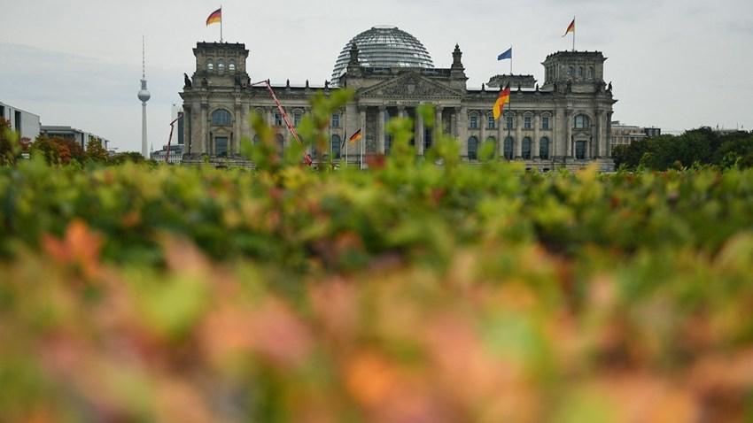 Los resultados del domingo pasado dejaron solo cuatro coaliciones de Gobierno posibles. Foto: AFP