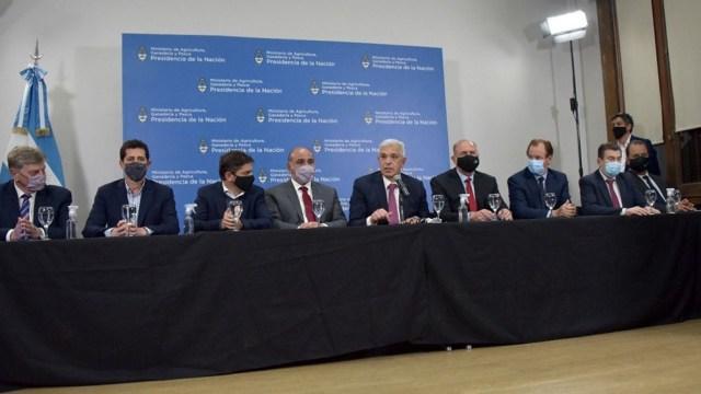 La reunión con representantes del campo finalizó con acuerdos.