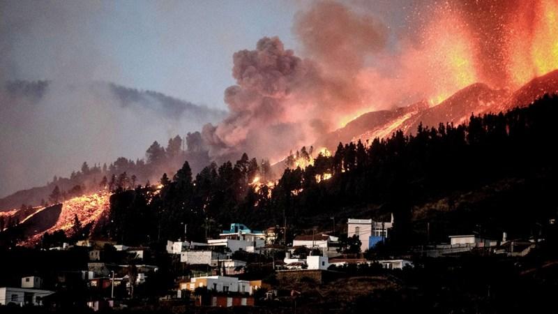 Por la erupción más de 6.000 personas han tenido que abandonar hasta ahora sus hogares, pero no ha habido heridos ni muertos.