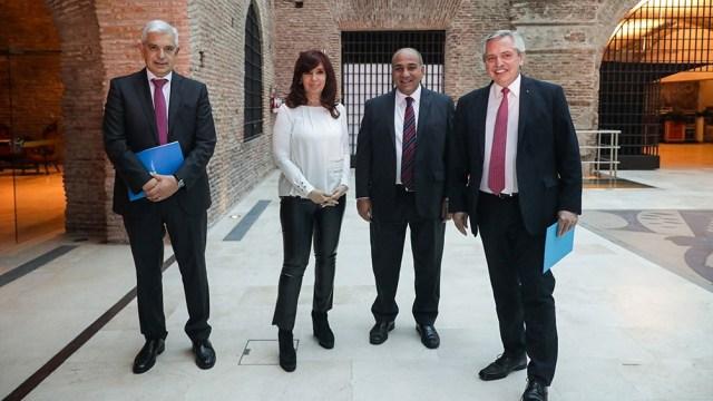Julián Domínguez, Cristina Fernández, Juan Manzur y Alberto Fernández momentos antes de la presentación de la iniciativa. (Foto: Julián Alvarez)