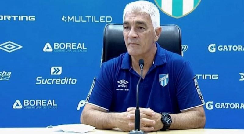 Omar de Felippe es otro entrenador que dejó su puesto en el torneo de la Liga Profesional de Fútbol.