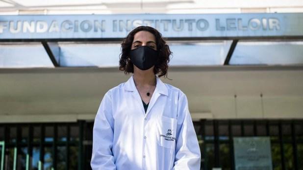 Daiana Capdevila recibió el galardón en la categoría Beca por la creación de sensores para la detección de metales pesados en aguas.