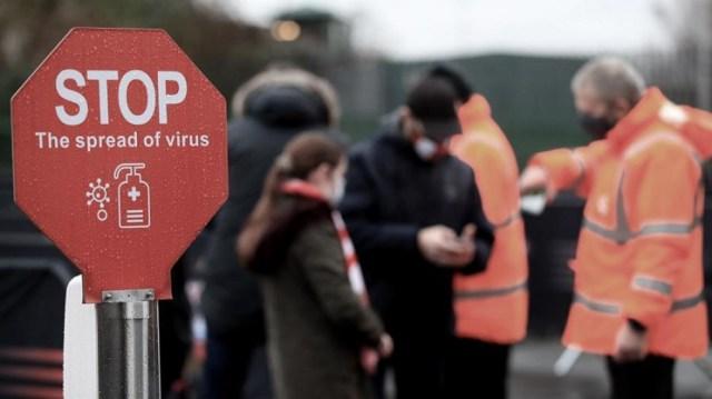 Londres, su zona metropolitana y partes de los condados circundantes ya entraron el miércoles en el máximo nivel de restricciones
