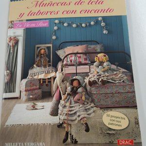 libro muñecas de telas