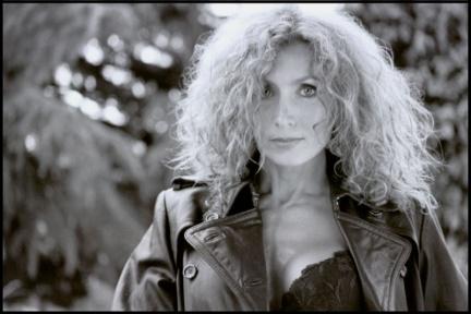"""Mag-Series intervista Elisabetta Coraini, protagonista di """"Centovetrine"""" – Con Fotogallery"""