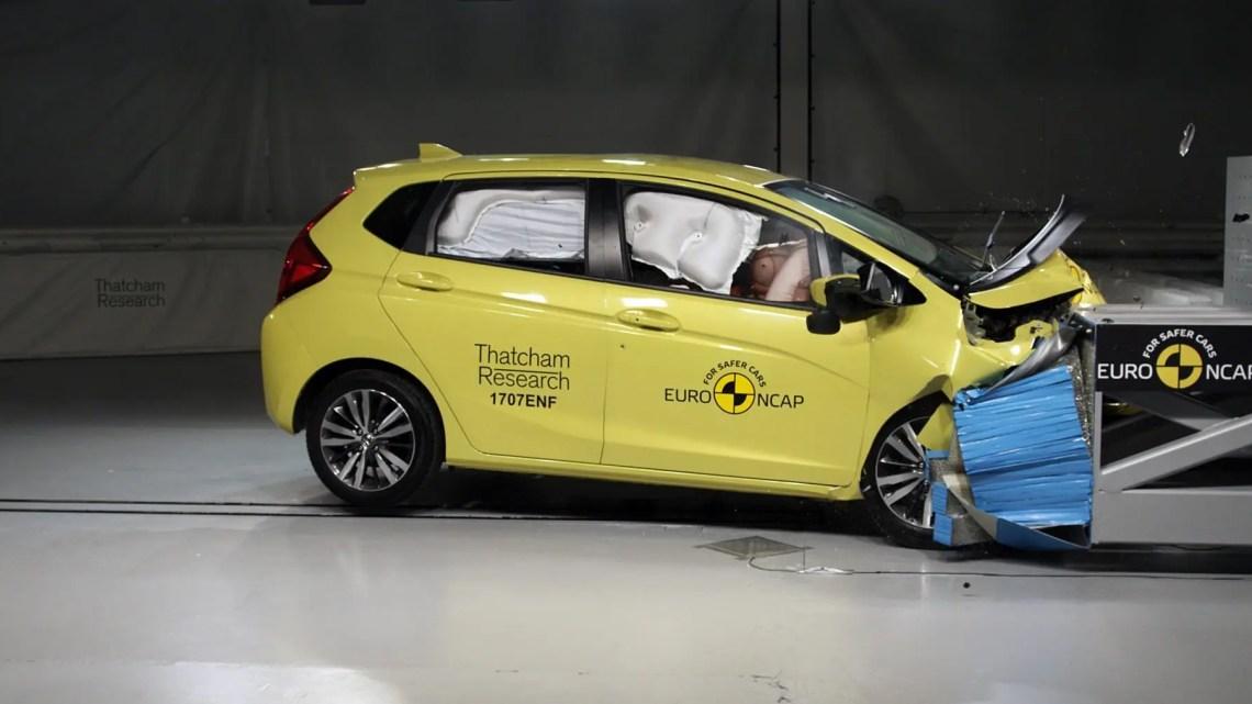 Sicurezza auto 2017: bocciata Fiat Punto, meglio Alfa Romeo